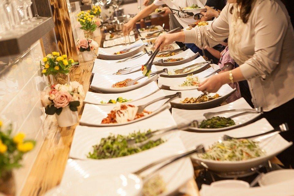 Jangan makan berlebihan saat menghadiri walimahan