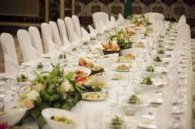 5 makanan yang pasti ada di acara pernikahan